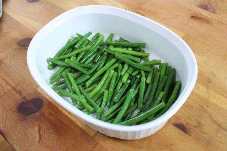 green beans in baking dish
