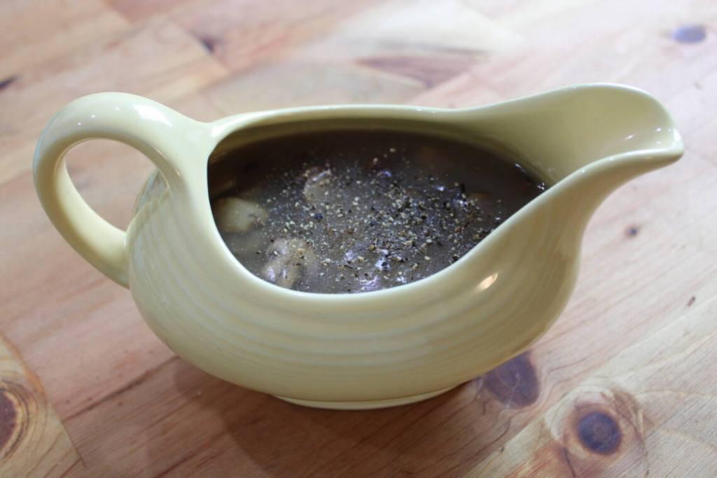 savory thyme mushroom gravy