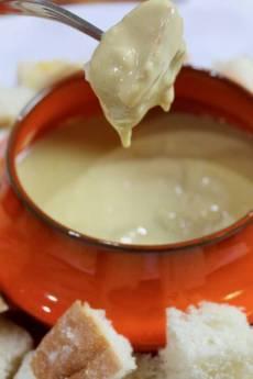 Vegan Cheese Fondue