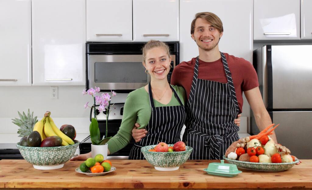 Luna & Nate lettuceliveinpeas