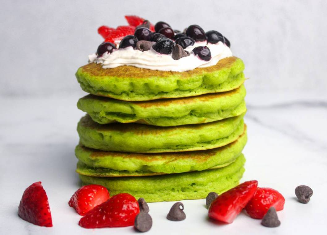 Vegan Spinach Pancakes with Toppings